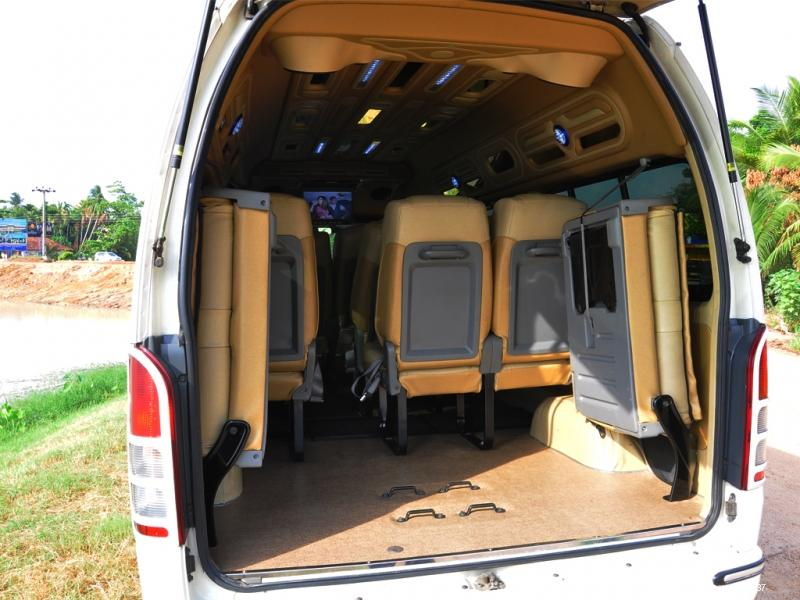 Toyota Hiace KDH for hire Colombo