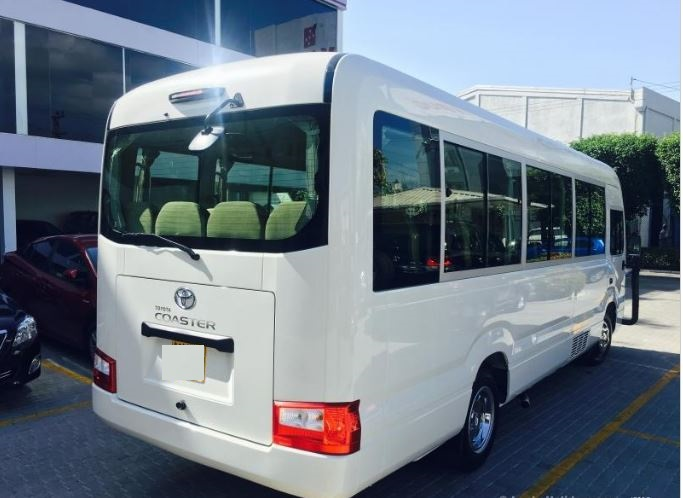 22 seater AC bus for hire in Sri Lanka