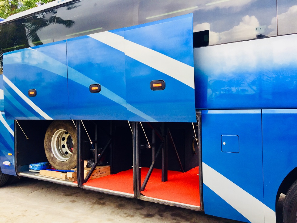 45 seater bus at Airport pickup Luggage space